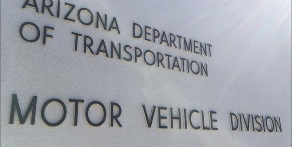 Gov. Ducey issues executive order delaying expiration of driver licenses