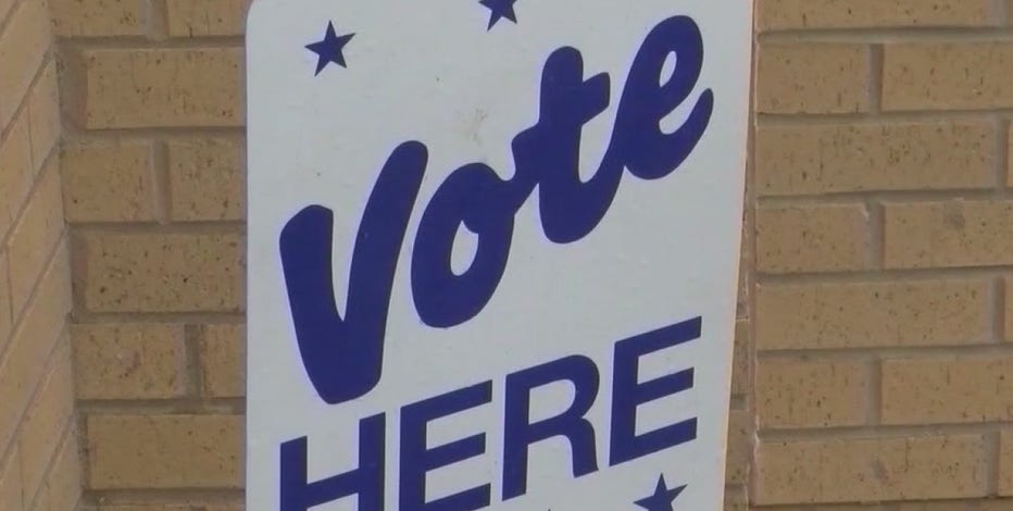 Arizona city pulls police from early voting sites after intimidation complaints