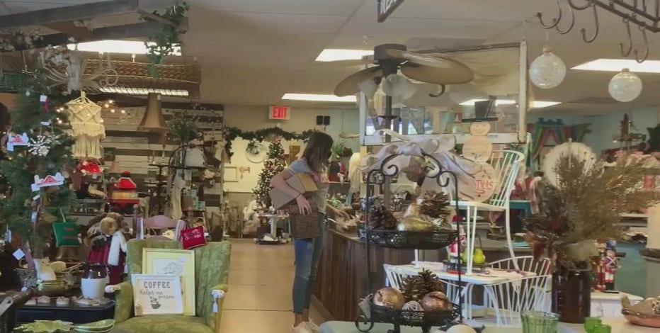 Arizonans bringing holiday cheer despite a dreary year