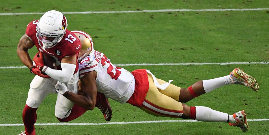 Third-string QB Beathard throws 3 TDs, 49ers stun Cardinals