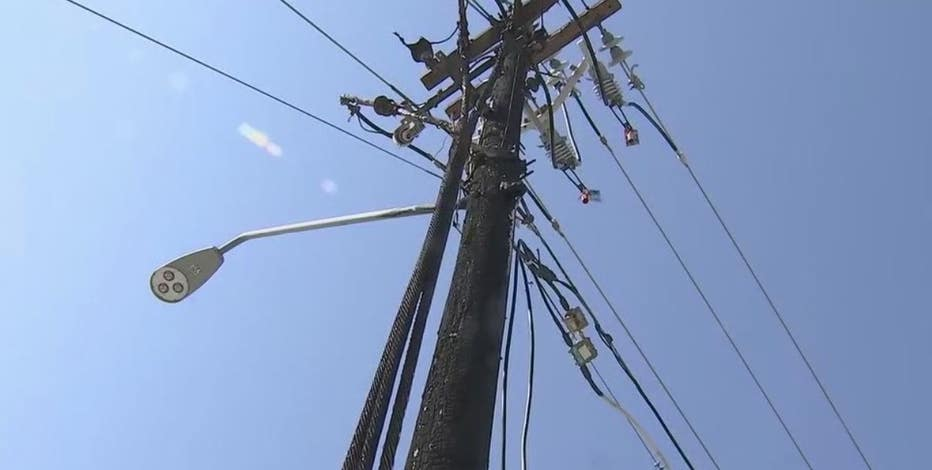 Thousands are without power in several parts of the Valley as a storm rolls through