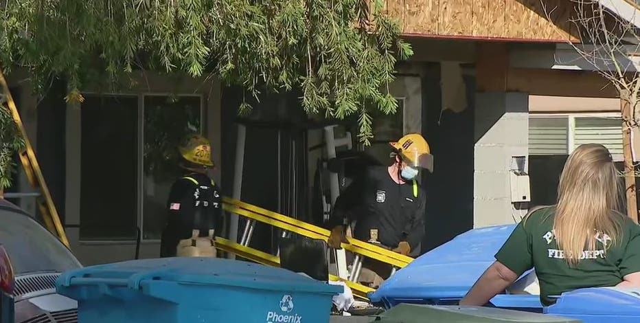FD: Family of 6 displaced by house fire in Phoenix