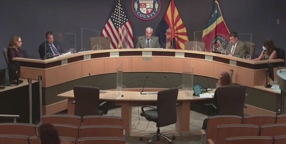 Maricopa County approves incentives for its employees who get vaccinated
