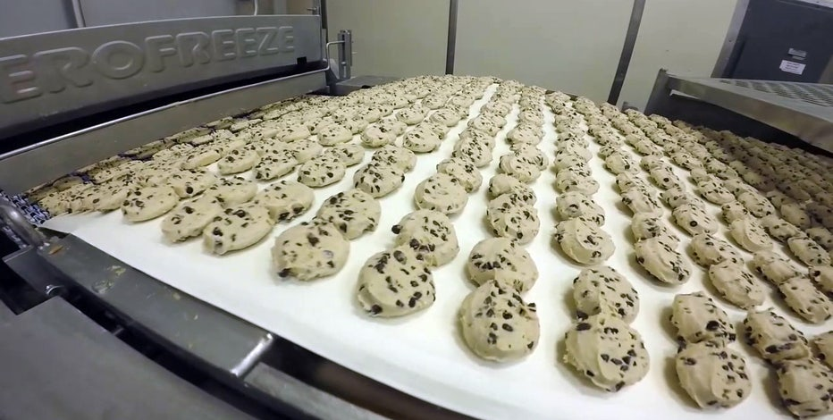 The secrets behind the sweets: Inside Publix's busy bakery