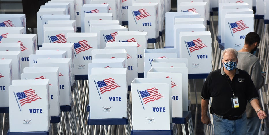 Democrats slightly ahead of Republicans in early voting in Florida