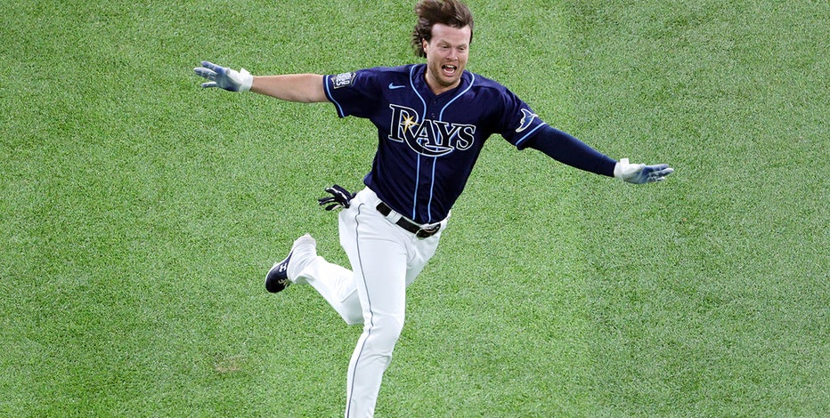Rays outlast Dodgers with dramatic finish; World Series tied at 2 games each