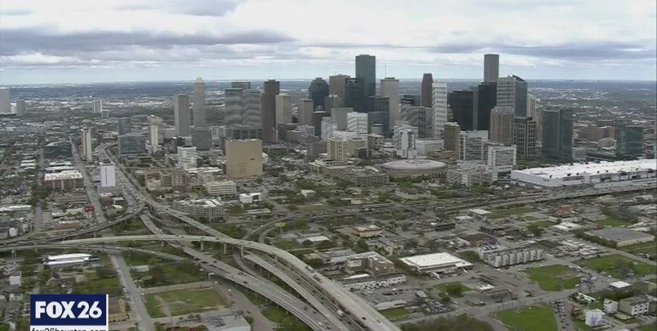 Houston mayor announces mass bottled water distribution event