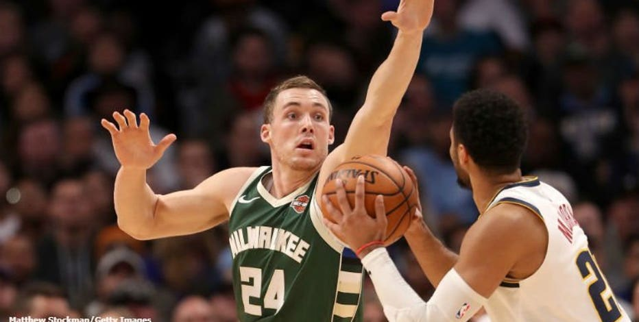 It's official: Milwaukee Bucks re-sign guard Pat Connaughton