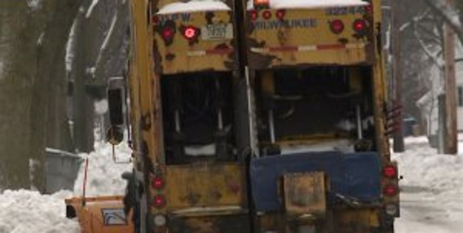 Garbage, recycling collection suspended in Milwaukee on Tuesday