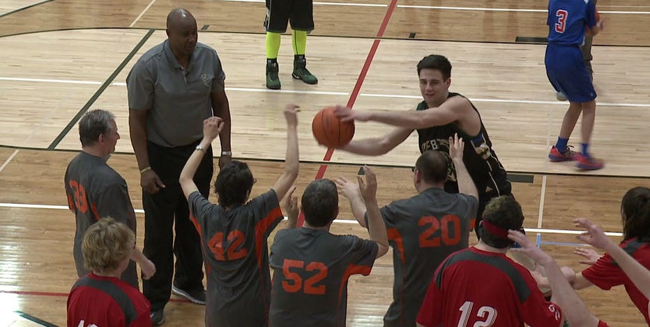 """""""So much fun:"""" Bucks legend Sidney Moncrief hosts Special Olympics basketball clinic at Homestead H.S."""