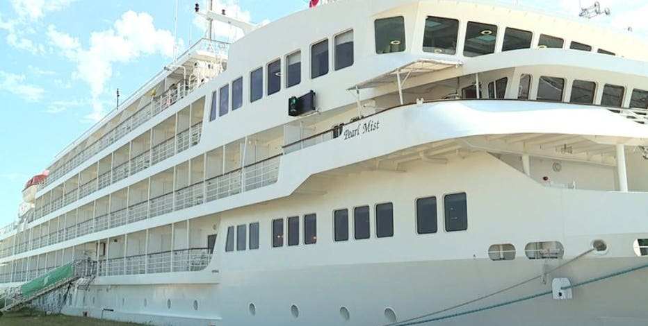 Port Milwaukee signs deal, gives cruise company priority docking