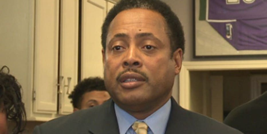 Former Milwaukee Alderman Willie Wade charged with wire fraud in alleged strip club bribery scheme