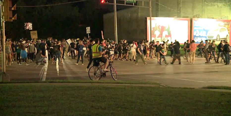 4th night of protests in Kenosha remain calm, no reports of violence overnight