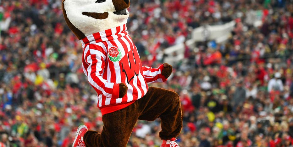 Wisconsin fans, bar owners eager for return of college football