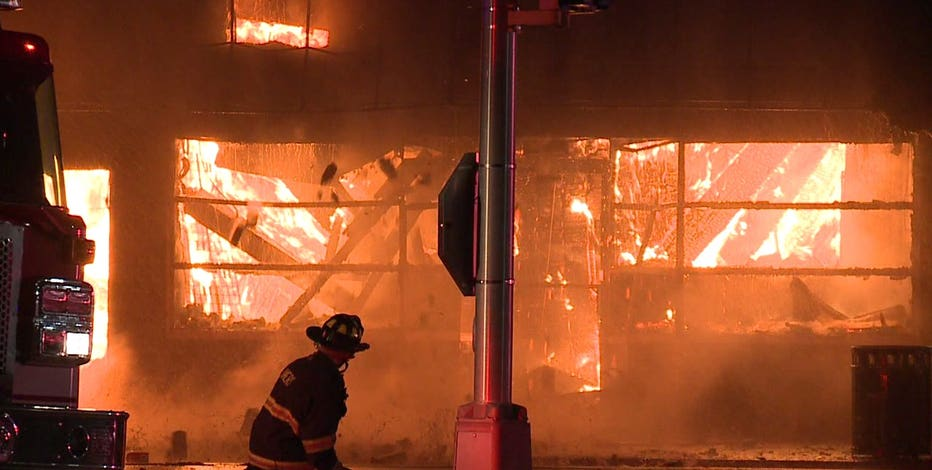 Officials responded to 37 fires in Kenosha on 2nd night of protests, 1 'nearly leveled several city blocks'