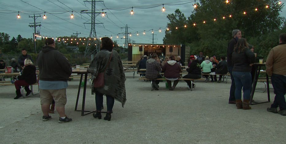 Outdoor bar looks to persevere through colder weather