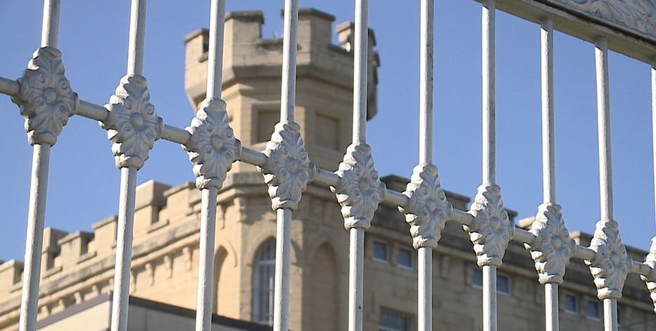 Memo: COVID-19 positive inmates no longer isolated at Waupun prison