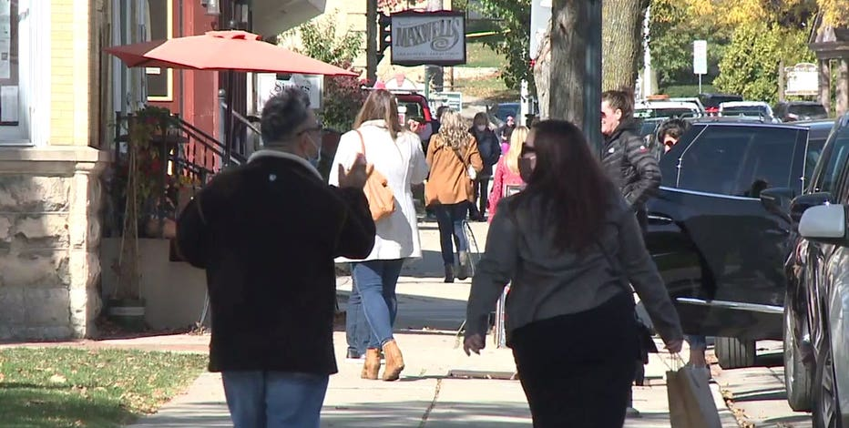 Shopping, dining out persist amid Wisconsin's COVID-19 surge