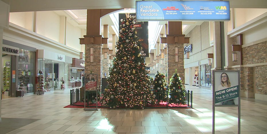 Pandemic means changes for mall Santas, Black Friday