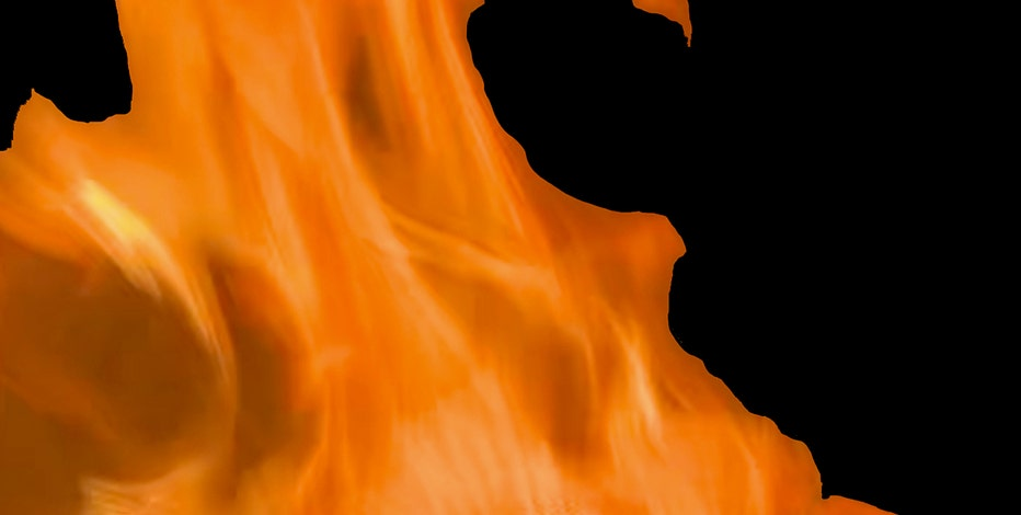 Fire on deck of Racine residence causes $4,000 damage