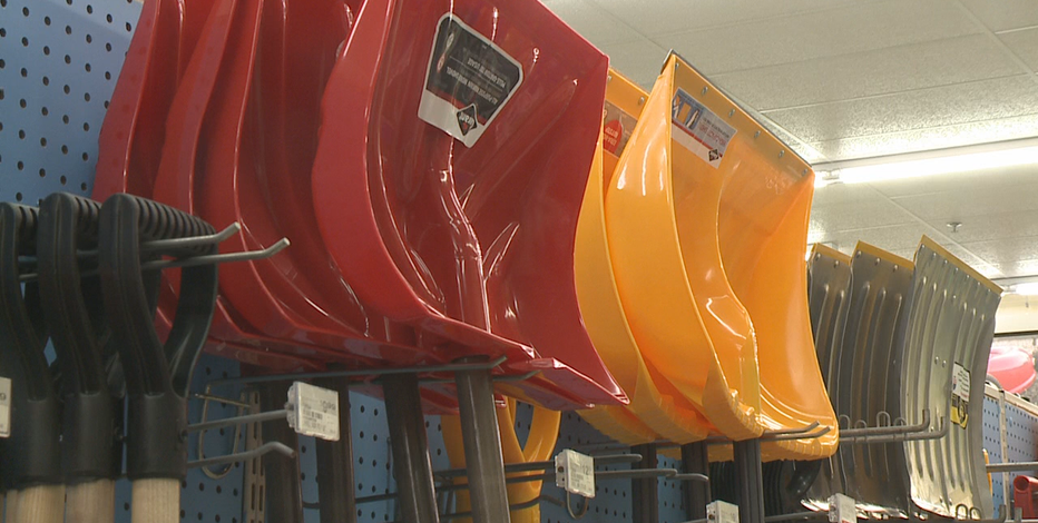 Hahn's Ace Hardware in Mukwonago busy before snow