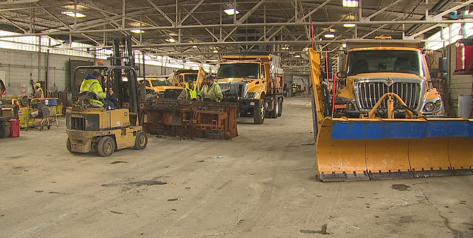 Kenosha DPW gears up for snow storm, asks for help from residents