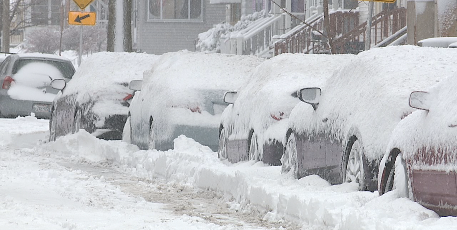 Milwaukee snow emergency means alternate side or no parking