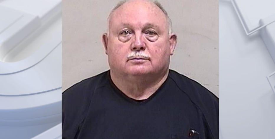 Kenosha man accused of threatening man with gun over rent money