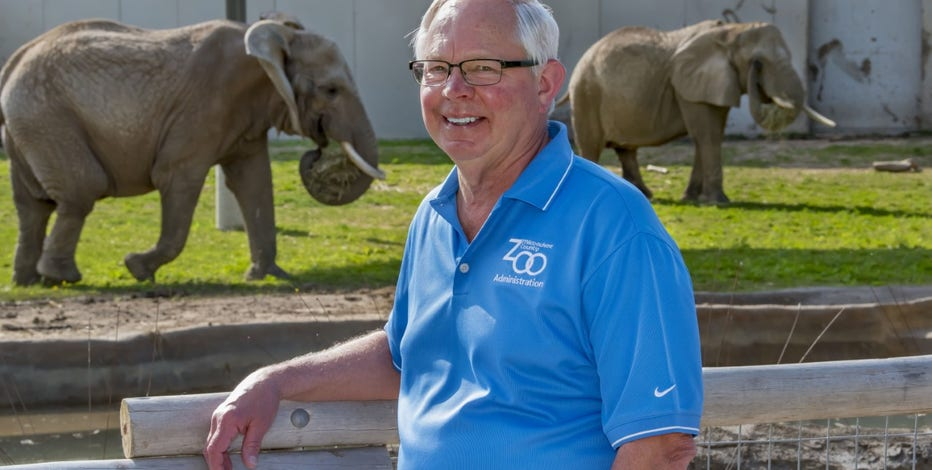 Milwaukee County Zoo director announces retirement after 31 years