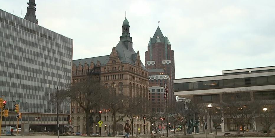 Mayor reflects on COVID-19 anniversary, honors Milwaukee heroes