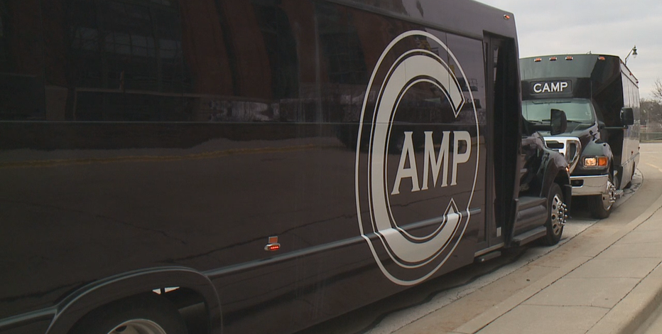 Bars, restaurants bring back game day shuttles for Brewers season