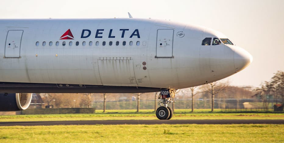 Delta Air Lines joins other US carriers in ending empty middle seats