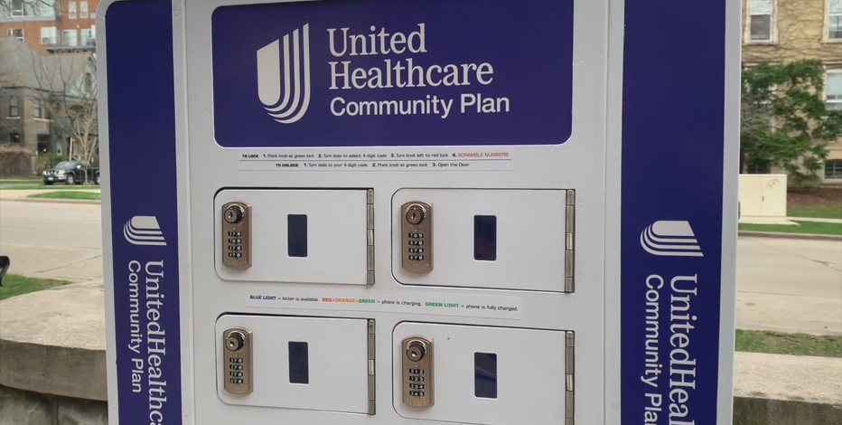 UnitedHealthcare sets up cellphone charging stations for homeless