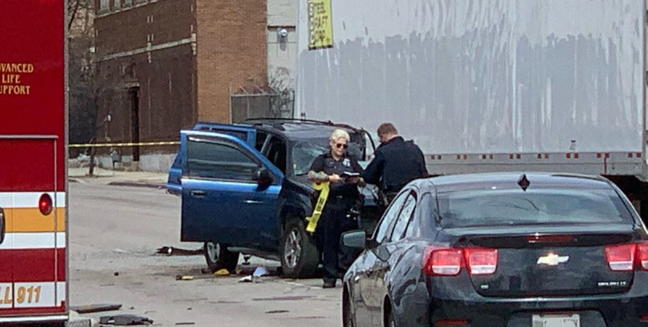 Medical examiner dispatched to crash at 32nd and Fond du Lac
