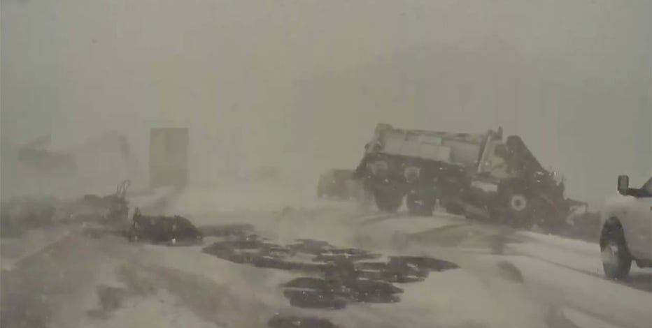 Video: Interstate 41 snowy pileup in Wisconsin caught on camera