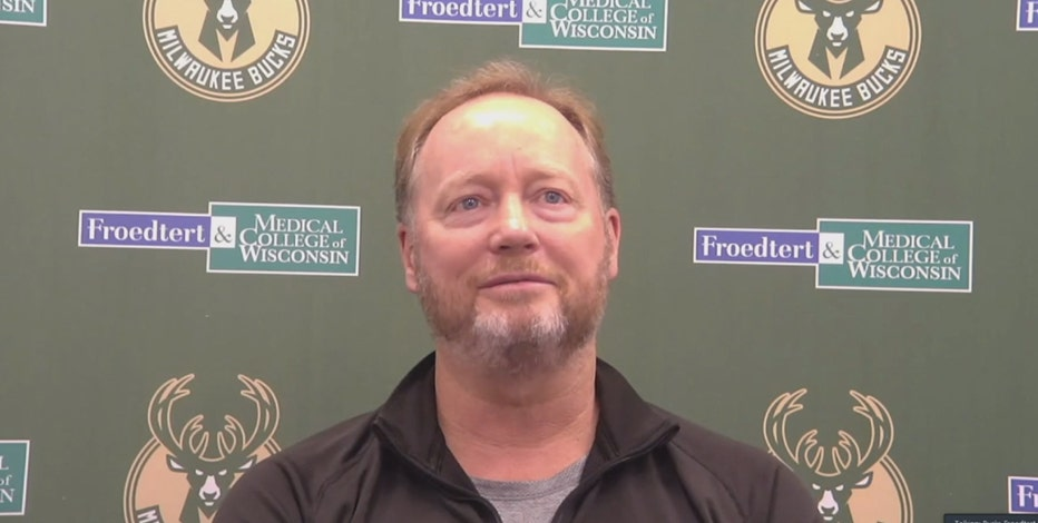 Bucks' Budenholzer signs contract extension