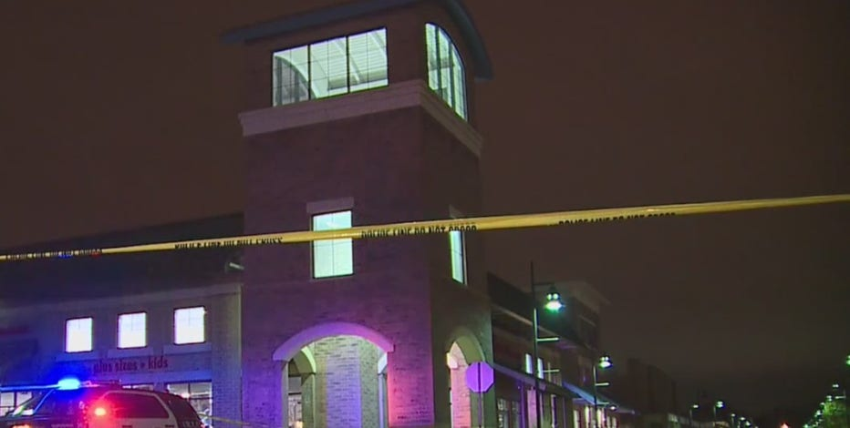 Shots fired at Midtown Center in Milwaukee, 2 wounded