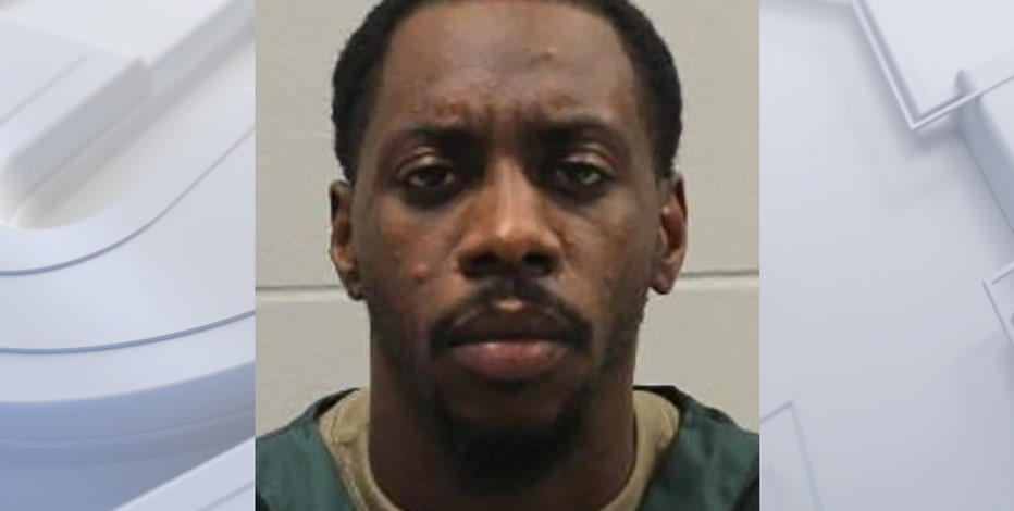 Milwaukee man robbed undercover officer, gets 7 years in prison