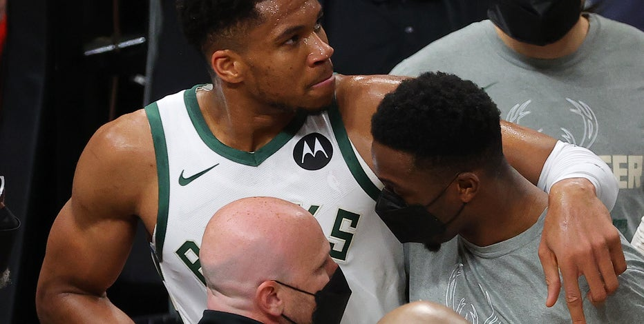 Giannis Antetokounmpo knee injury, no structural damage: report