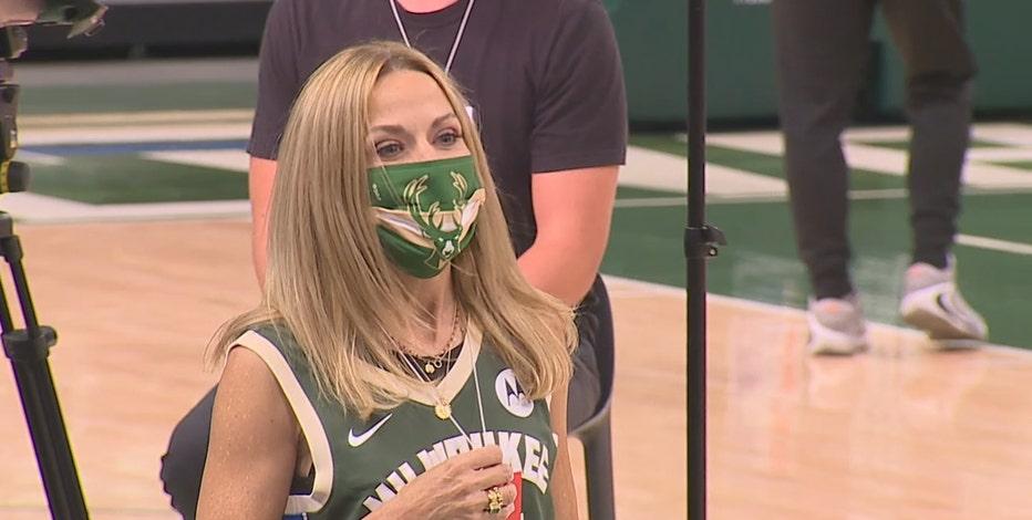 Sheryl Crow at Bucks playoff game, talks fandom