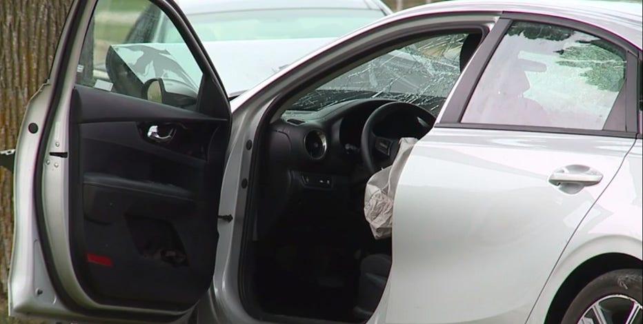 Driver strikes tree in Milwaukee, 3 passengers seriously injured