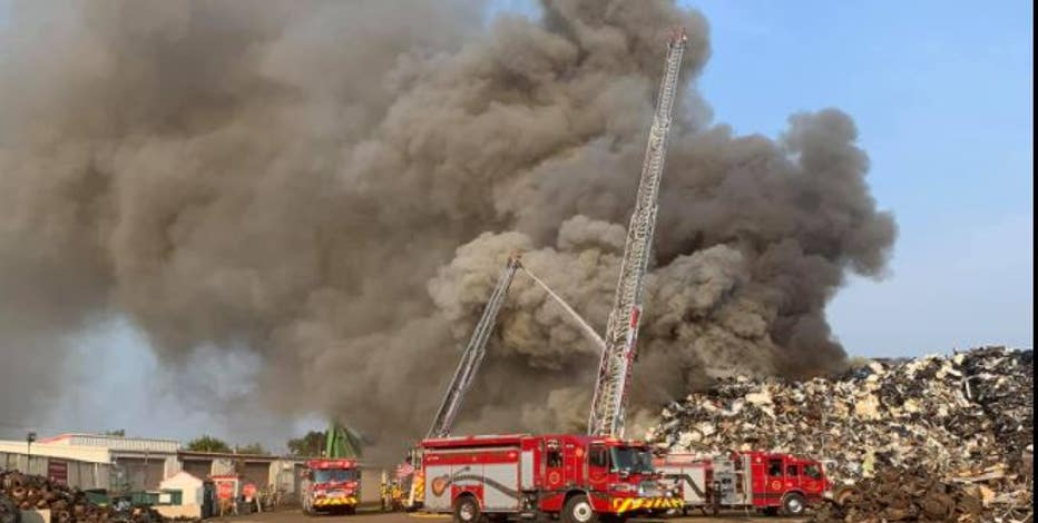 Waukesha scrap metal fire leads to road closures