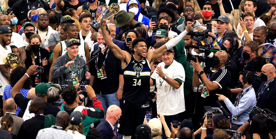 Giannis on cover: Sports Illustrated commemorative issue