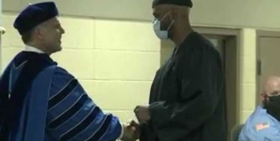 20 Waupun inmates receive degrees in 1st-of-its-kind program