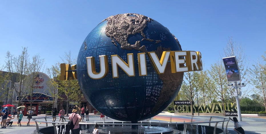Universal Studios sets opening for 1st theme park in China