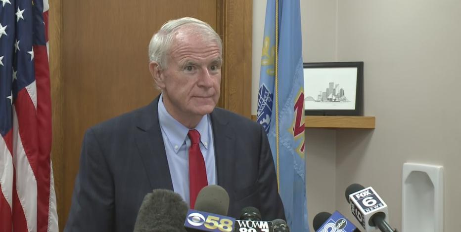 Biden nominates Milwaukee Mayor Barrett for foreign policy role