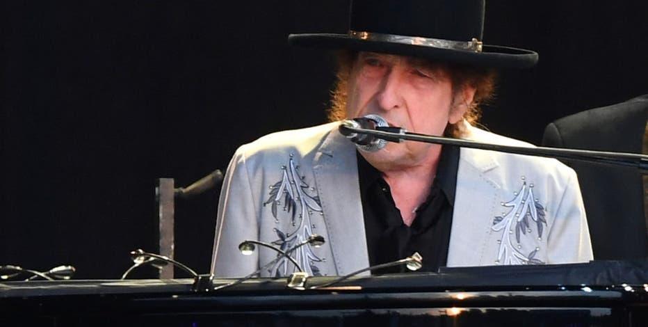 Bob Dylan at Riverside Theater; concert set for Nov. 11