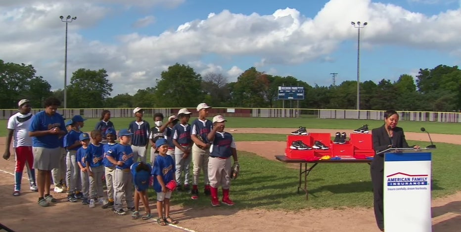 Milwaukee little league fields upgraded, thanks to Yelich donation