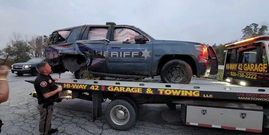 Manitowoc Sheriff's squad involved in crash, 1 flighted