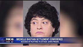 Arizona woman pleads guilty to terrorism, conspiracy charges